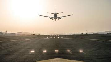 The southern runway refurbishment project will involve 60,000 tonnes of asphalt and 8,000 m³ of concrete