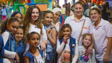 Hotel staff joined the orphans on a fun-filled day out at Stars Centre Shopping Mall