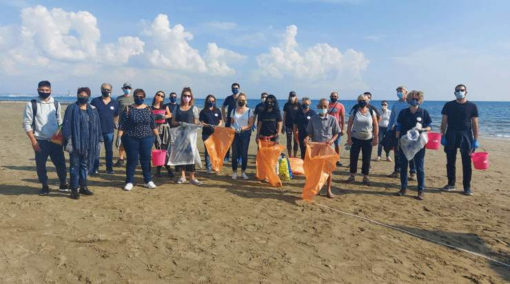 Larnaca undertook seabed and beach cleaning campaign