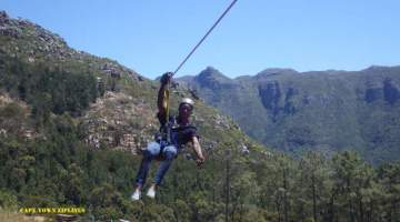 The Ziplines are easily accessible from all major transport routes including the Hop-on, Hop-off City Sightseeing Cape Town Bus