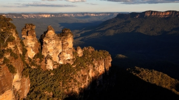 The Three Sisters at Echo Point in Katoomba, Blue-Mountains